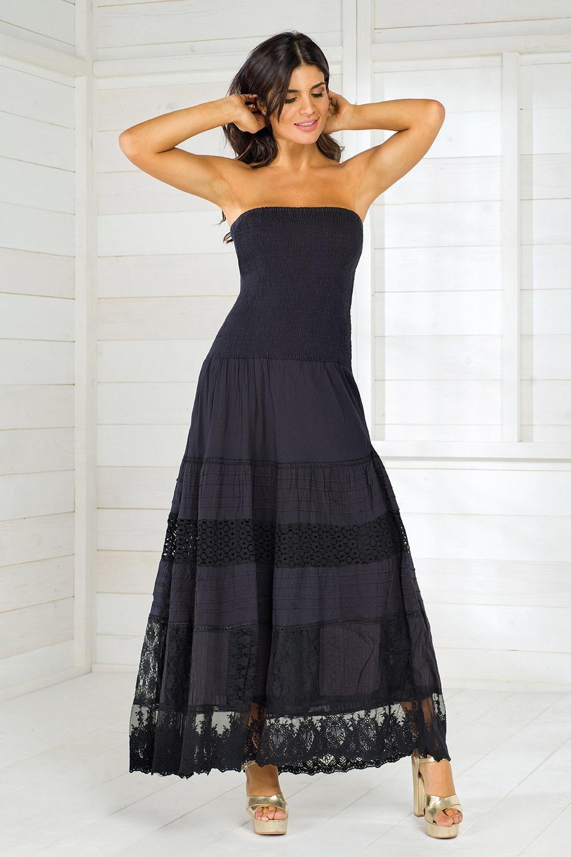 4dabf63372a4 Oblečenie a doplnky   Šaty a sukne. Cena  73.99 EUR. Luxusné dámske šaty v  čiernej farbe s bohatou kvetinovou výšivkou z talianskej kolekcie Iconique.